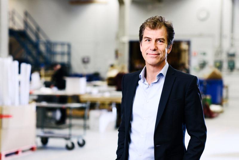 Bilden visar Peter Westin, försäljningschef på ÅJ Distribution